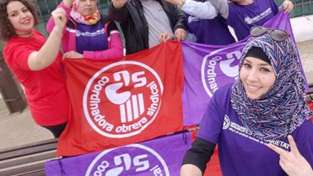 Le voile n'empêche pas les femmes de s'engager et de s'émanciper. Militantes de la coordination ouvrière catalane.