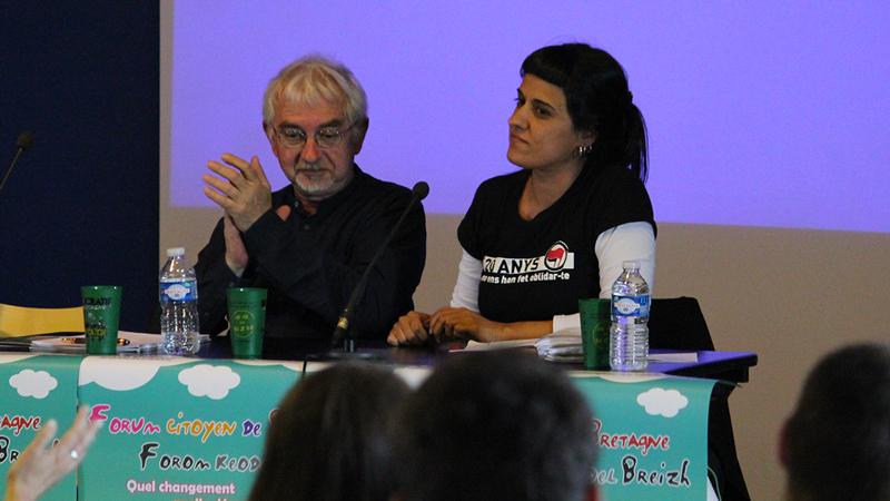 Mandat d'arrêt contre l'indépendantiste catalane